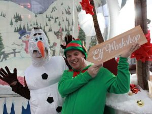 Hire-inflatable-snow-globe-kent