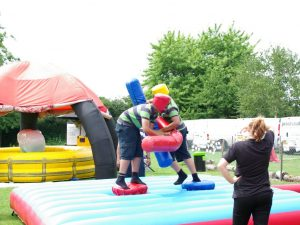Inflatable-gladiator-duel-kent