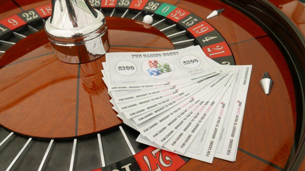 fun-casino-roulette-table-hire