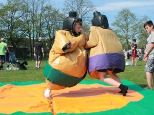 inflatable-sumo-suit-hire-kent