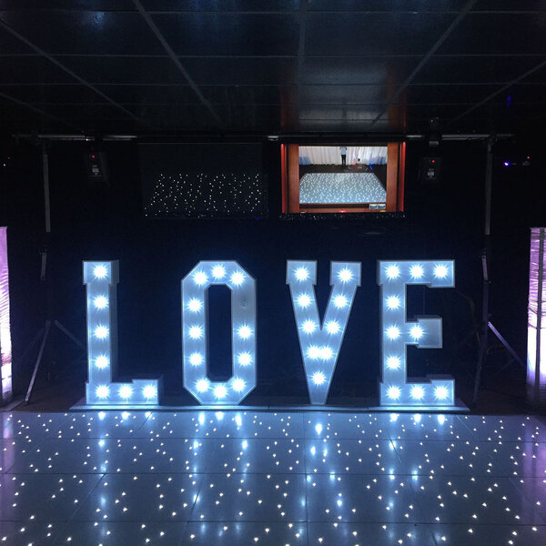 Wedding-Giant-LED-LOVE-Letters-hire-2