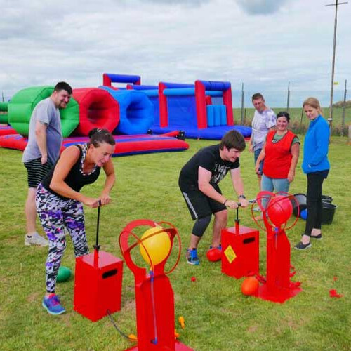 Balloon boom team building game hire