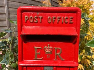 vintage-red-post-box-hire-kent