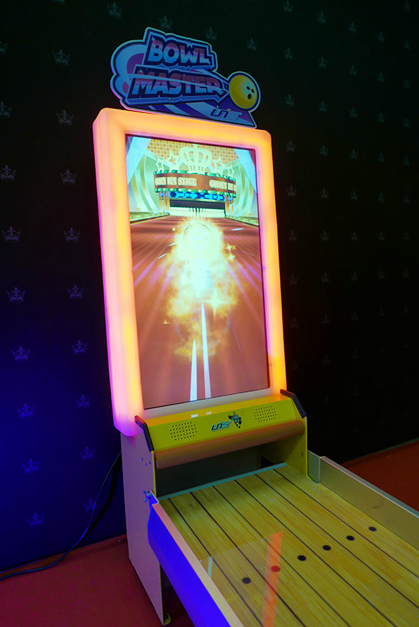 hire-virtual-bowling-game