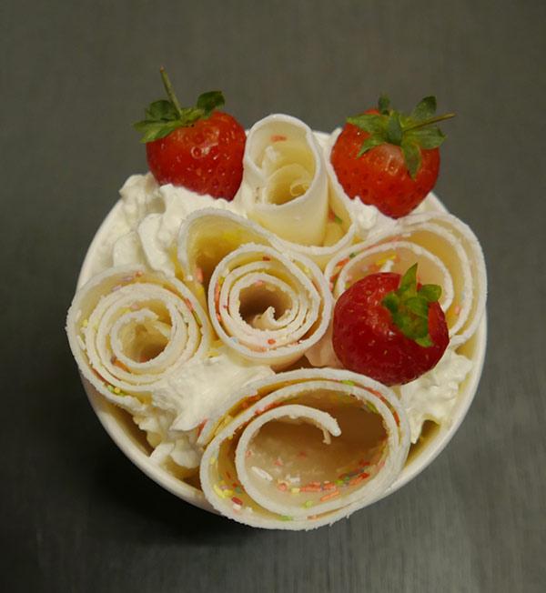 pan-n-ice-cream-roll