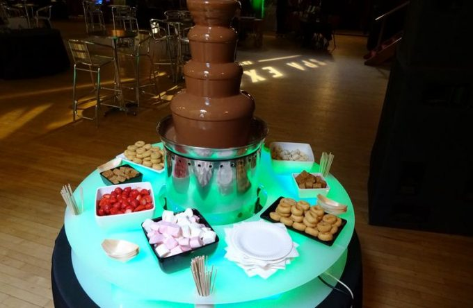 Chocolate Fountain (Pic 8)