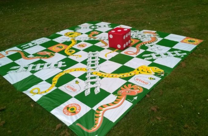 Giant-snakes-and-ladders-game-hire