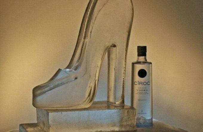 Ice-sculpture-vodka-luge-shoe