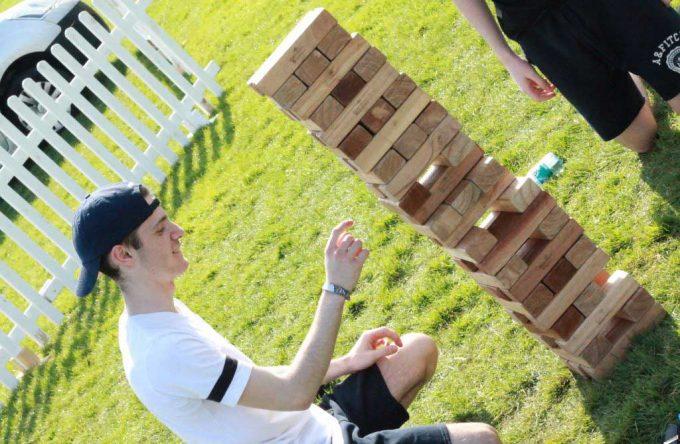 giant-jenga-garden-games-for-hire