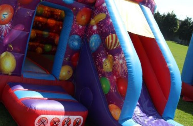 leisureking-bouncycastle-ChildCelebrationSlide-2