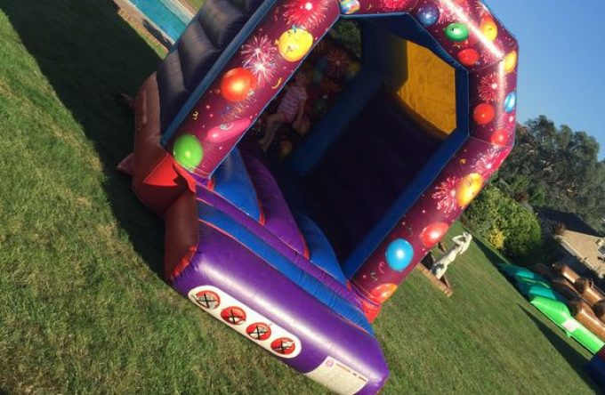 leisureking-bouncycastle-minicelebrations-2