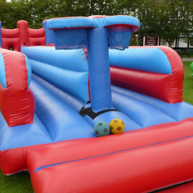 leisureking-bungeerun-blue-red-leftsideview