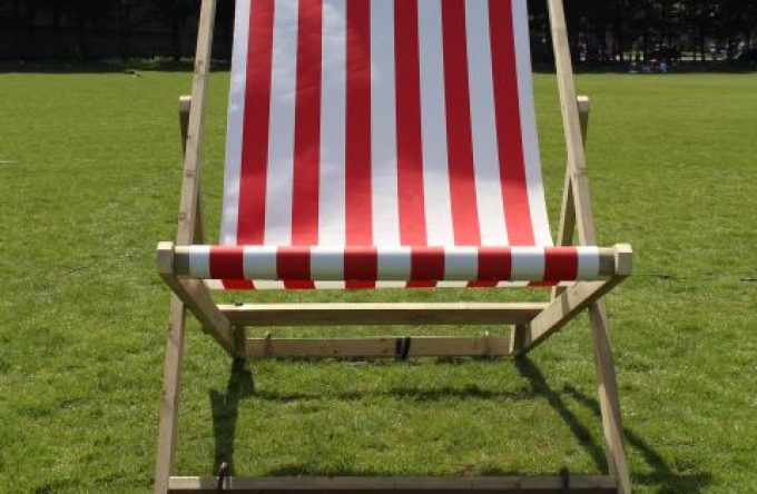 leisureking-giantdeckchair-front1