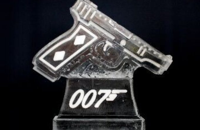 leisureking-icesculptures-007pistol