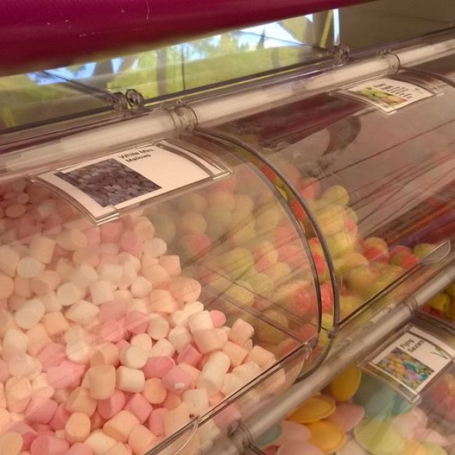leisureking-pickandmix-sweetbuckets-2