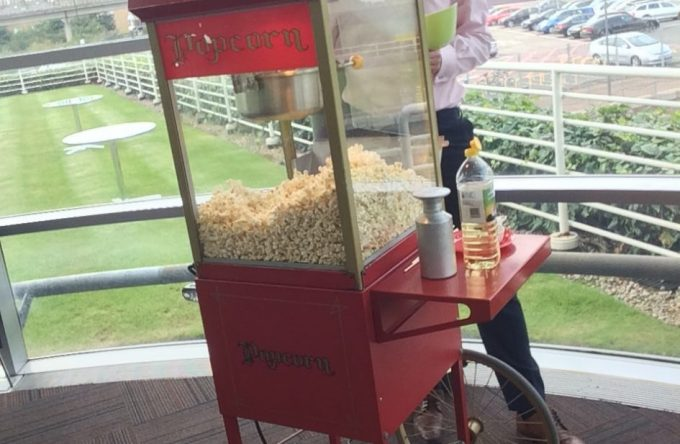 leisureking-popcorn-office