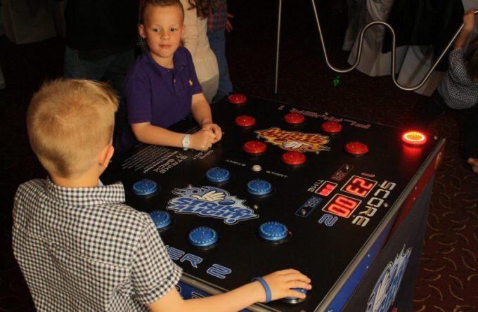 leisureking-strikealight-child-players