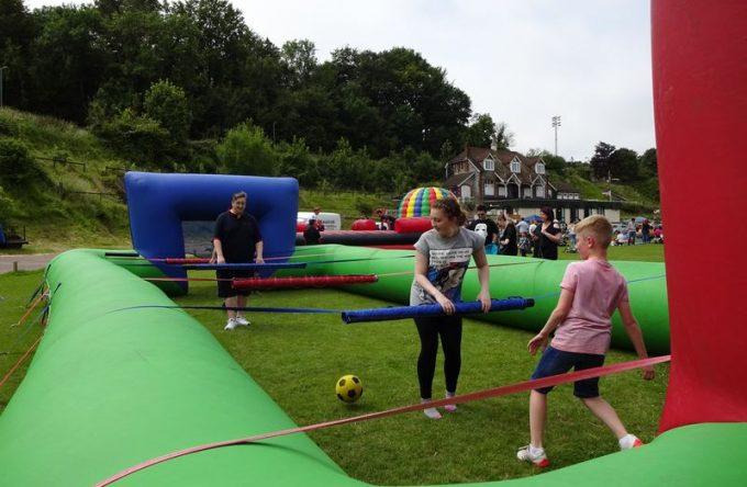 lesiureking-humantablefootball-inflatable-4