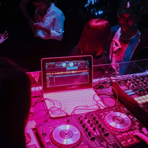 mobile-disco-and-dj-hire-kent
