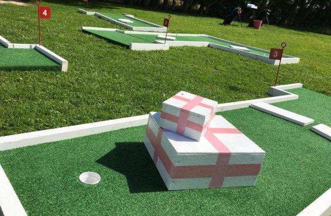 wedding-day-entertainment-crazy-golf